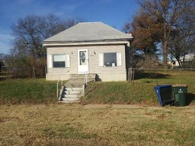 Chickasha Single Family Home For Sale: 1214 W Dakota Avenue