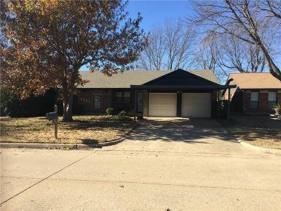 Moore Single Family Home For Sale: 1205 Kings Court