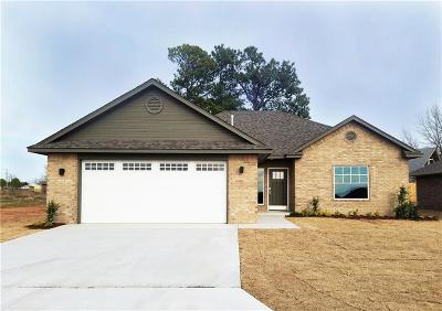 Shawnee Single Family Home For Sale: 2213 Bent Tree Road