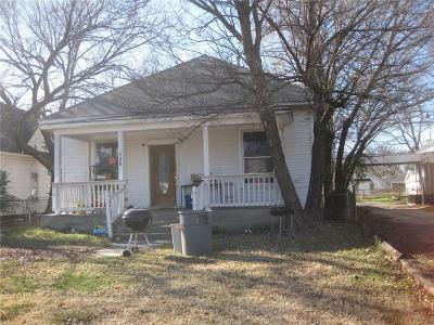 Shawnee Single Family Home For Sale: 536 N Pottenger Avenue