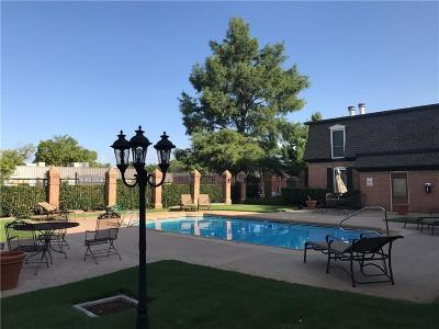 Oklahoma City Condo/Townhouse For Sale: 6100 N Brookline #33