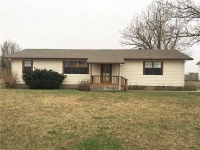 Single Family Home Sold: 211 E Van Buren