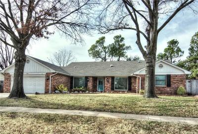 Norman Single Family Home For Sale: 520 Piney Oak Drive