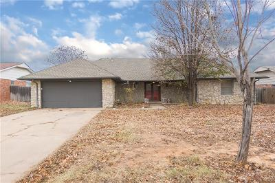 Oklahoma County Single Family Home For Sale: 1305 Smiling Hill Boulevard