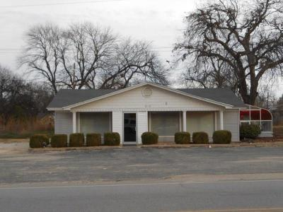 Commercial For Sale: 918 S Chickasaw Road