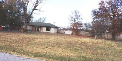 Shawnee Single Family Home For Sale: 2308 Libra