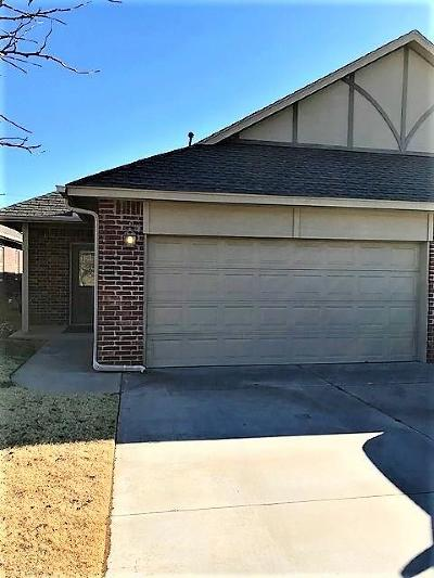 Edmond Attached For Sale: 13802 Oxford