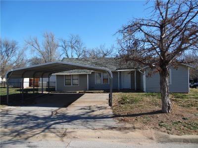 Anadarko Single Family Home For Sale: 819 SW 4th Street