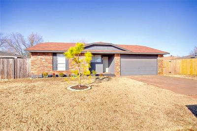Edmond Single Family Home For Sale: 1313 Jupiter