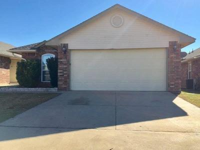 Moore Rental For Rent: 512 SW 38th Terrace