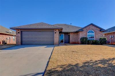 Moore Single Family Home For Sale: 4228 Red Apple Terrace