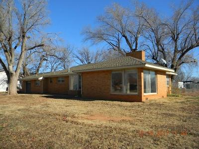 Sayre Single Family Home For Sale: 1304 N 4th