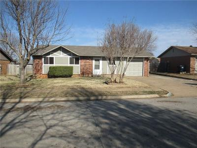 Noble Single Family Home For Sale: 707 Meadowlake Drive