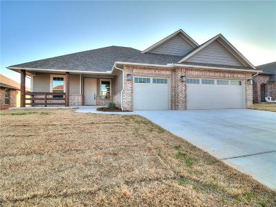Warr Acres Single Family Home For Sale: 5410 Painted Pony