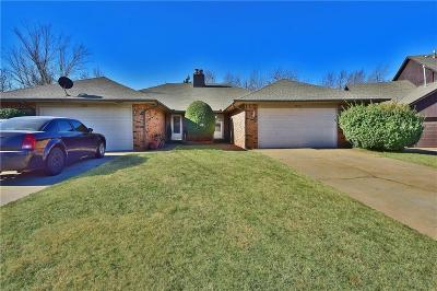 Oklahoma City Attached For Sale: 7207 Lakewood Circle