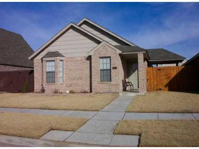 Moore OK Single Family Home For Sale: $129,000