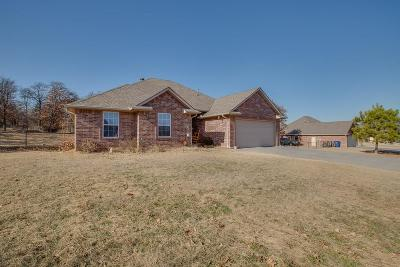 Harrah Single Family Home For Sale: 1801 Wagon Trail Boulevard