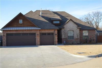 Midwest City OK Single Family Home For Sale: $239,900