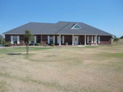 Chickasha Single Family Home For Sale: 2196 County Street 2856