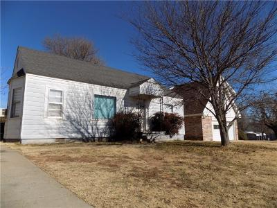Single Family Home Sold: 403 W Texas