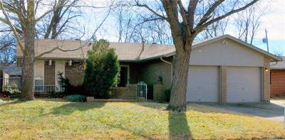 Edmond Single Family Home For Sale: 400 Cedar Crest Drive