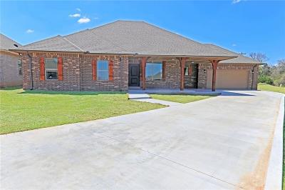 Harrah Single Family Home For Sale: 20526 Pioneer Dr