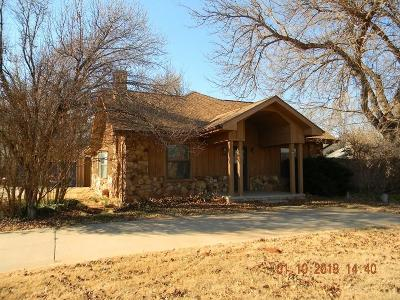 Elk City Single Family Home For Sale: 711 N Randall