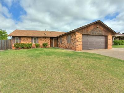 Elk City Single Family Home For Sale: 205 Swales