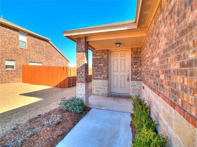 Single Family Home For Sale: 2412 Horn Valley Court