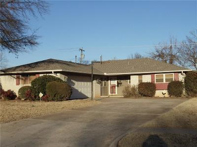 Midwest City Single Family Home For Sale: 3220 N Glenhaven
