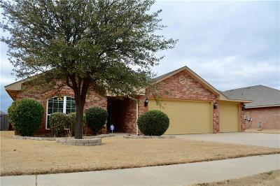 Moore Single Family Home For Sale: 4005 Red Apple Terrace