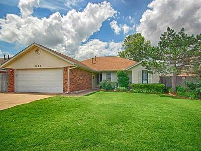 Edmond Single Family Home For Sale: 2120 Stepping Stone Trail