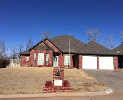 Mustang Single Family Home For Sale: 1911 E Cottonwood Terrace