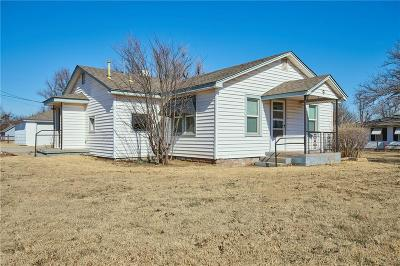Tuttle Single Family Home For Sale: 9 W Main