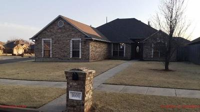 Moore Single Family Home For Sale: 1600 31st Terrace