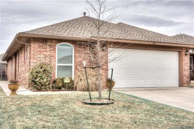 Moore OK Single Family Home For Sale: $140,000