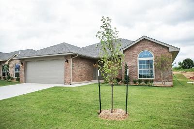 Midwest City Single Family Home For Sale: 2413 Snapper Lane