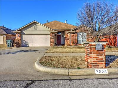 Norman Single Family Home For Sale: 2024 Old Central