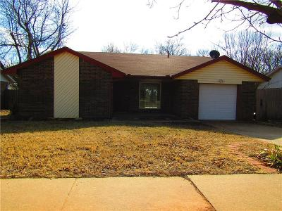 Norman Single Family Home For Sale: 1506 Rock Hollow