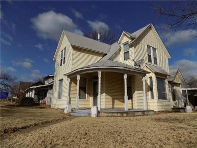 Single Family Home Sold: 501 W Central