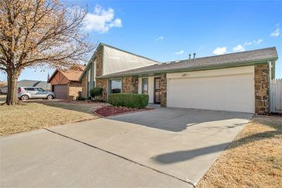 Oklahoma City Single Family Home For Sale: 8220 NW 112th Street