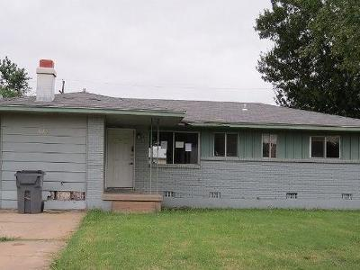 Single Family Home Sold: 4921 NW Lindy Avenue