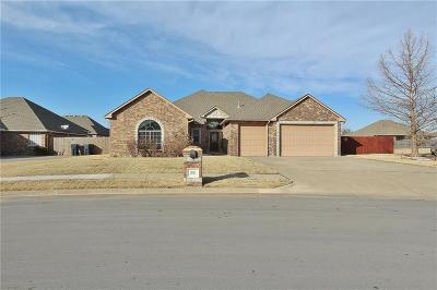 Moore Single Family Home For Sale: 201 SW 137th Terrace