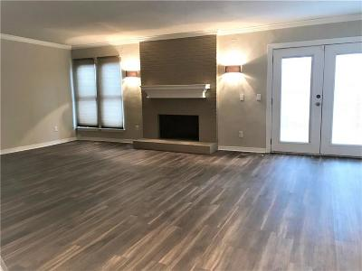 Oklahoma County Condo/Townhouse For Sale: 11360 Benttree Circle