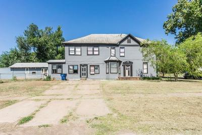 Guthrie Single Family Home For Sale: 1901 W Warner