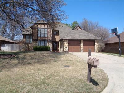 Midwest City Single Family Home For Sale: 9117 Oakwood Drive