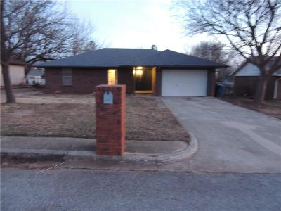 Harrah Single Family Home For Sale: 20040 Timberidge