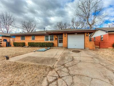 Moore Single Family Home For Sale: 233 S Irving Drive