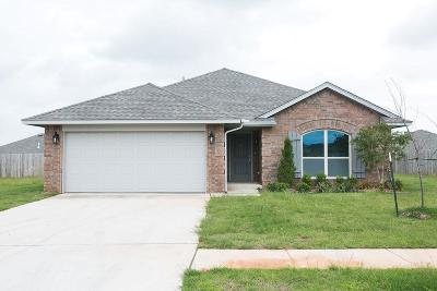 Chickasha Single Family Home For Sale: 912 Lazywood