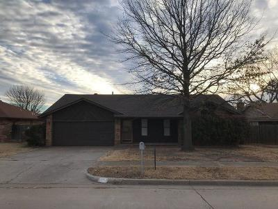 Moore Single Family Home For Sale: 1912 Glenwood Drive
